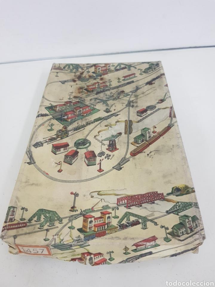 Juguetes antiguos Payá: Señales de trenes paya 1457 en metal - Foto 3 - 171597713