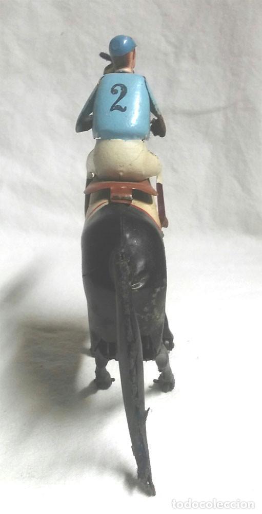 Juguetes antiguos Payá: Jocker Caballo Carreras nº 2 de Paya, funciona mecanismo de cuerda, hojalata, años 40 - Foto 4 - 183834726