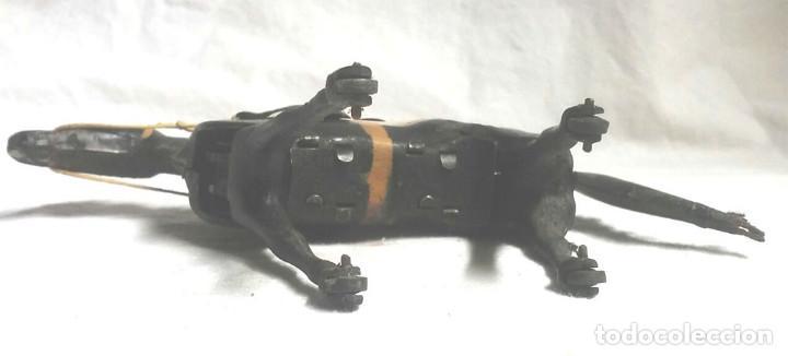 Juguetes antiguos Payá: Jocker Caballo Carreras nº 2 de Paya, funciona mecanismo de cuerda, hojalata, años 40 - Foto 5 - 183834726