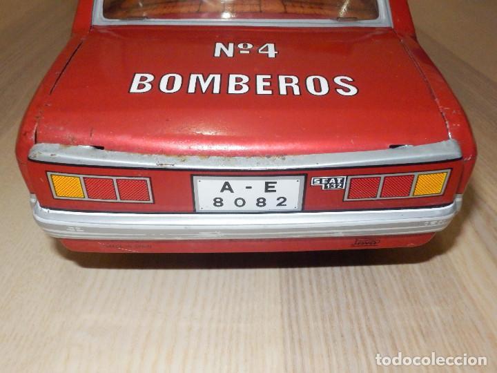 Juguetes antiguos Payá: Coche Payá de hojalata - Seat 132 Jefe Servicio Contra Incéndios, Bomberos Nº 4, Fricción, Ref 8082 - Foto 5 - 191556601