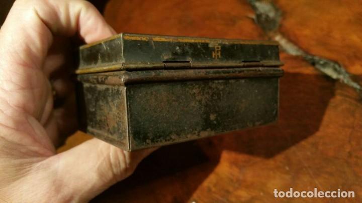 Juguetes antiguos Payá: Antigua hucha o caja de caudales metálica con primer logo Payá Hermanos - Chapa Litografiada - Foto 3 - 191729648