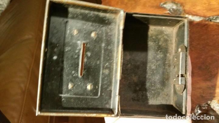 Juguetes antiguos Payá: Antigua hucha o caja de caudales metálica con primer logo Payá Hermanos - Chapa Litografiada - Foto 5 - 191729648