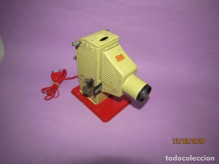 Juguetes antiguos Payá: Antiguo Proyector de Películas Infantiles de PAYÁ - Foto 3 - 193962242