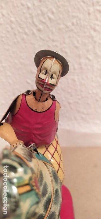 Juguetes antiguos Payá: Payaso a caballo de Payá ref. 846 con caja original y funcionando. Ver descripción. Original 1937 - Foto 3 - 198051788