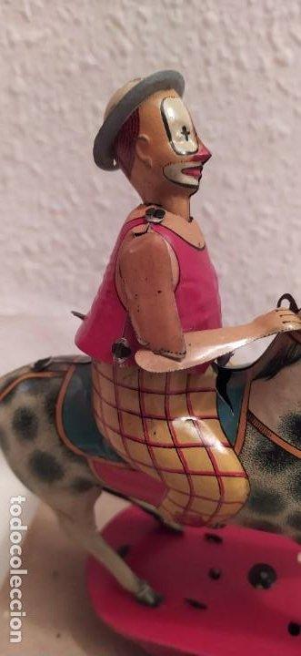 Juguetes antiguos Payá: Payaso a caballo de Payá ref. 846 con caja original y funcionando. Ver descripción. Original 1937 - Foto 4 - 198051788