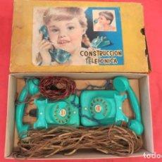 Juguetes antiguos Payá: CONSTRUCCION TELEFONICA PAYA N 2000 - 2 APARATOS COLOR AZUL - TELEFONOS. Lote 202533536