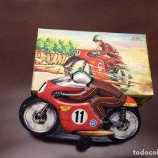 Giocattoli antichi Payá: PAYA - MOTO A FRICCION EN LATA CON SU CAJA - MEDIDAS : 10 X 18 CM. Lote 205203012