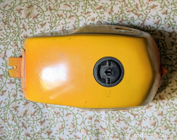 Juguetes antiguos Payá: MOTO BMW RS PAYA - PIEZA: cubierta del motor con sus cables. nueva. Vell i Bell - Foto 3 - 207287546