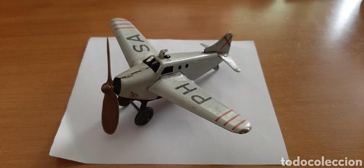 Juguetes antiguos Payá: Antiguo balancín con avión y hangar de Payá. Año 1950. - Foto 7 - 41700569