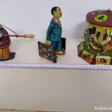 Juguetes antiguos Payá: PAYA - LOTE DE TRES JUGUETES - BARRENDERO - VIAJERO MALETERO Y CARRUSEL. Lote 218258790