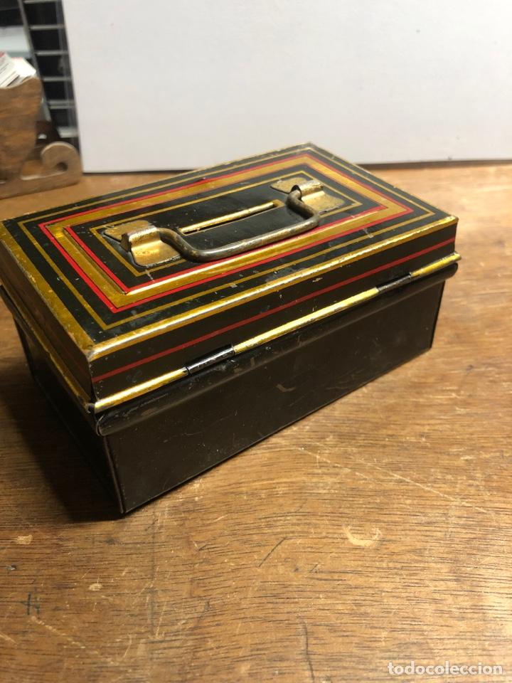 Juguetes antiguos Payá: Hucha metálica de PAYA sin llave - Foto 4 - 230745255