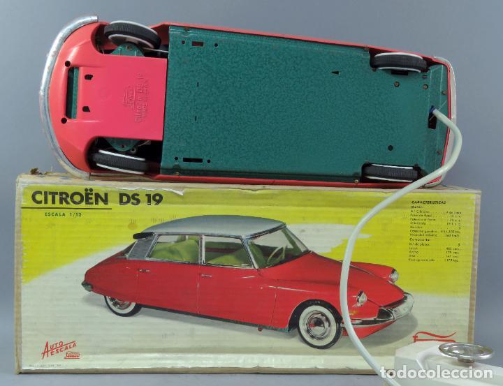 Juguetes antiguos Payá: Citroen DS 19 Paya Tiburón cabledirigido color rosa caja años 60 no funciona - Foto 16 - 241058550