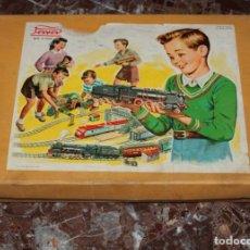 Brinquedos antigos Payá: TREN PAYA A CUERDA. LOCOMOTORA FANTASMA Y 3 COCHES. 9 VIAS. EXCELENTE ESTADO. AÑOS 60. VER 22 FOTOS.. Lote 241765430