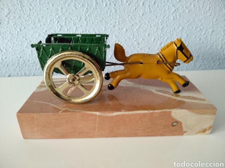 Juguetes antiguos Payá: TARTANA DE PAYA SOBRE PEANA DE MARMOL - Foto 2 - 252091330
