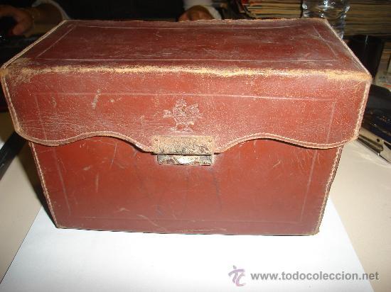 Juguetes Antiguos: CAMARA PATHE BABY CON PELICULAS Y ESTUCHE. - Foto 6 - 29238319