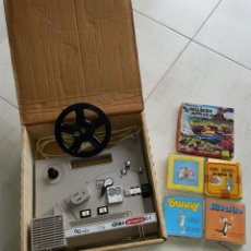 Juguetes Antiguos: PROYECTOR SUPER 8 CINE+ C1 BIANCHI + LOTE 5 PELICULAS. Lote 39488594