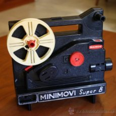 Juguetes Antiguos - Proyector Vintage de Cine Infantil Super 8mm MINIMOVI. Marca BIANCHI Años 70 - 47784138