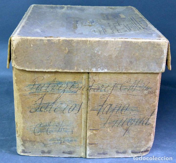 Juguetes Antiguos: Proyector Cine Nic tamaño grande cartón base hojalata años 40 Modelo para sonoro - Foto 13 - 70086665