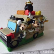 Juguetes Antiguos: HUCHA VAMOS DE SAFARI-CON PLUTO MICKEY Y DONALD-THE DISNEY STORE-. Lote 87659420