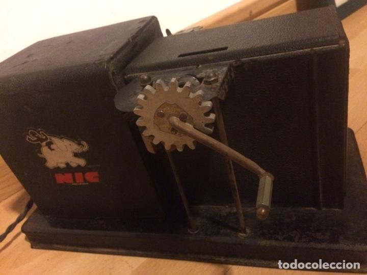 Juguetes Antiguos: Antiguo proyector de cine nic sonoro - Foto 3 - 104553203