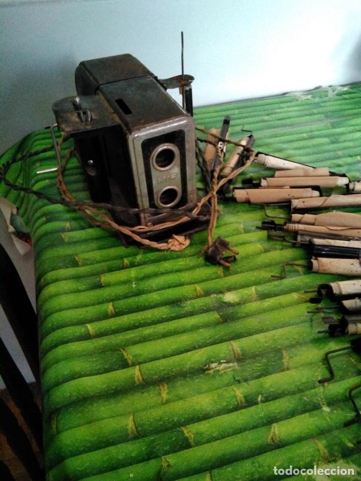 Juguetes Antiguos: Proyector de Cine NIC con 18 películas - Foto 2 - 137356004