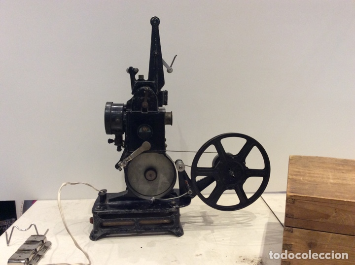 PROYECTOR PATHE BABY MADE IN FRANCE (Juguetes - Pre-cine y Cine)