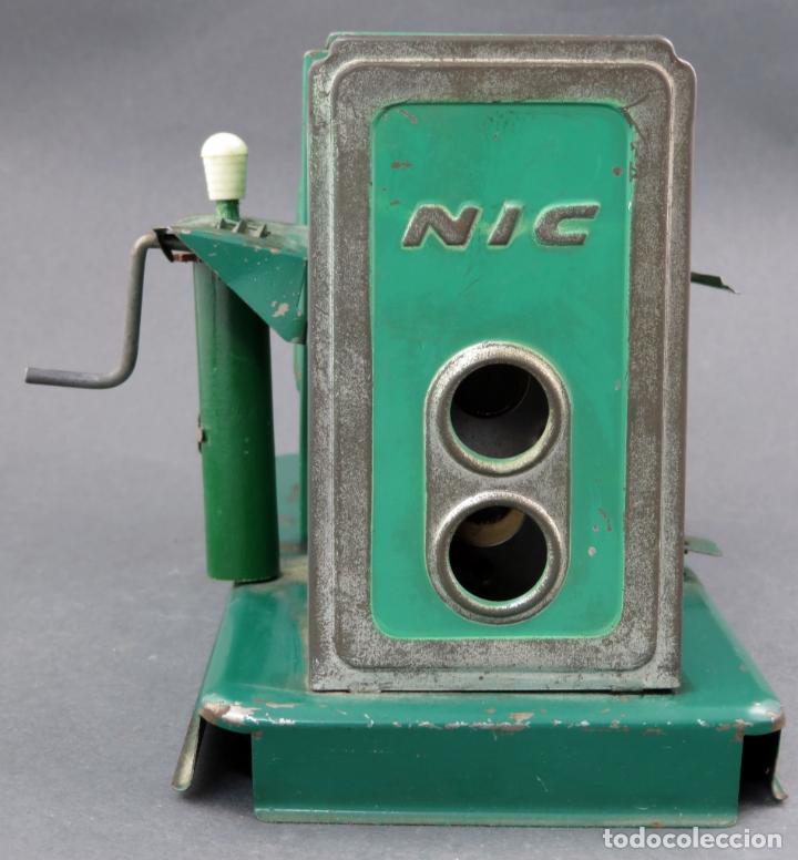 Juguetes Antiguos: Proyector cine Nic hojalata años 50 - Foto 3 - 166288406