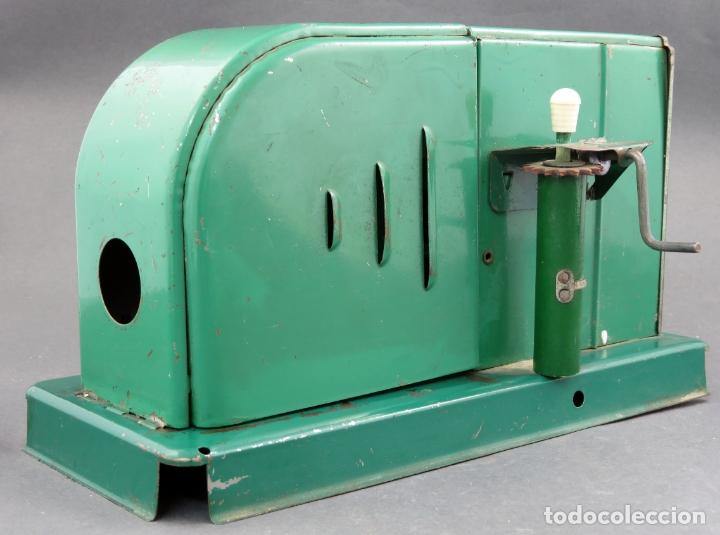 Juguetes Antiguos: Proyector cine Nic hojalata años 50 - Foto 5 - 166288406