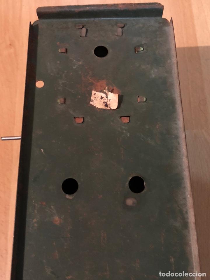 Juguetes Antiguos: Proyector de cine nic de hojalata y cartón verde - Foto 3 - 178628198
