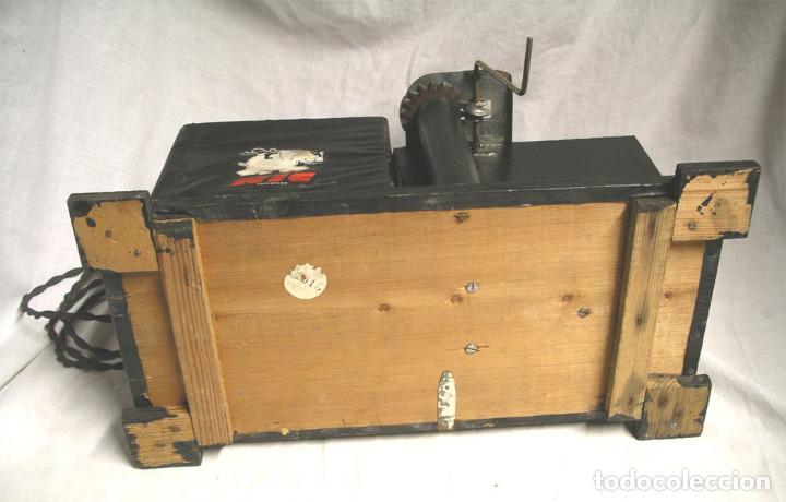 Juguetes Antiguos: Cine Nic años 30, doble bombilla, completo. Med. 34 x 18 x 17 cm - Foto 4 - 188444763
