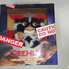 Juguetes Antiguos: GREMLINS COLLECTION DOLL MOHAWK MOGWAI C-642. Lote 193438068