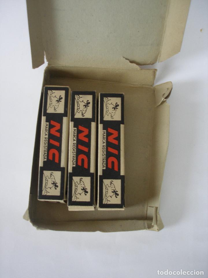 Juguetes Antiguos: Cine Nic sonoro La Dama y el Vagabundo caja con tres películas sin uso - Foto 2 - 193810733