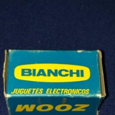 Juguetes Antiguos: FOCO OBJETIVO ZOOM ORIGINAL DE CINE MAX BIANCHI,AGRANDA LA PANTALLA EL DOBLE.NUEVO. Lote 199775108