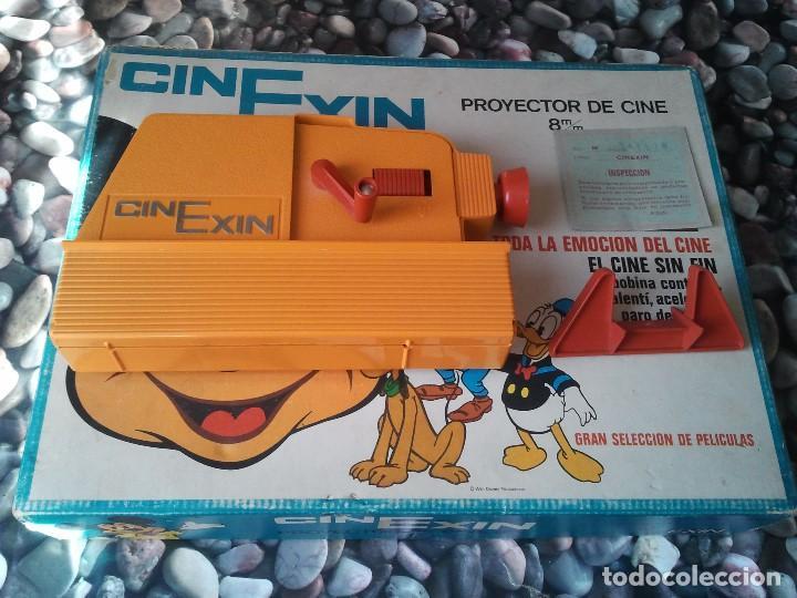 Juguetes Antiguos: Proyector infantil antiguo de los años 70 Cinexin el cine sin fin. Retro juguete de pelicula continu - Foto 2 - 207431458