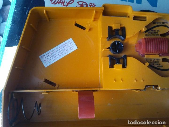 Juguetes Antiguos: Proyector infantil antiguo de los años 70 Cinexin el cine sin fin. Retro juguete de pelicula continu - Foto 9 - 207431458