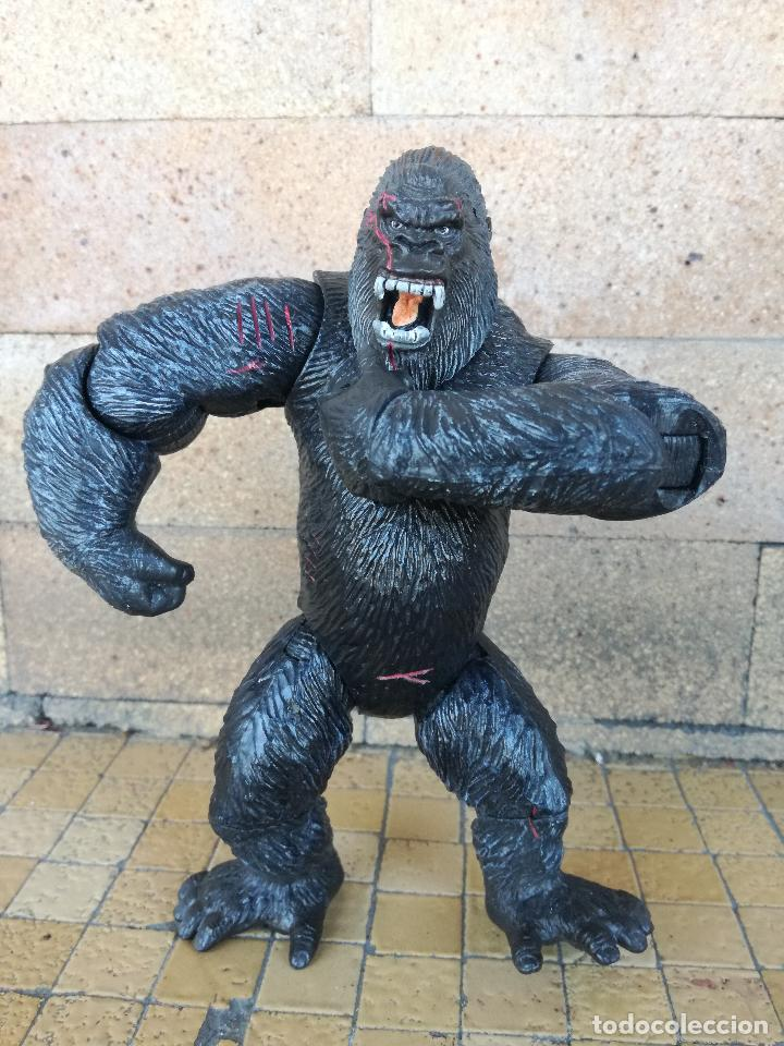 Juguetes Antiguos: MUÑECO KING KONG UNIVERSAL STUDIOS 2005 PLAYMATES TOYS - The 8th wonder of the world. figura 16 cm - Foto 8 - 213512755