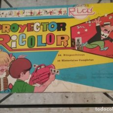 Juguetes Antiguos: PROYECTOR RICOLOR JUGUETES RICO COLABORACION BRUGUERA. Lote 218570591