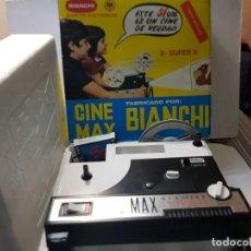 Juguetes Antiguos: PROYECTOR CINE MAX BIANCHI EN CAJA ORIGINAL Y PELÍCULA 8 +SÚPER 8. Lote 219429820