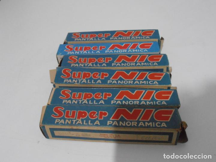 Juguetes Antiguos: MAQUINA CINE SUPER NIC, PANTALLA PANORAMICA, CAJA ORIGINAL CON PELICULAS, AÑOS 60 - Foto 10 - 235800385