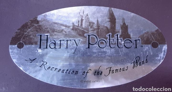 Juguetes Antiguos: Réplica Varita Harry Potter con placa - Foto 4 - 240862310