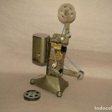 Brinquedos Antigos: ANTIGUO PROYECTOR DE CINE INFANTIL 9,5 MM. ELÉCTRICO MODELO SENIOR DE JEFE SALUDES EN VALENCIA. Lote 262629400