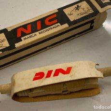Juguetes Antiguos: CINE NIC, EL PEREZOSO. A LA ESCUELA. AÑOS 50. Lote 277172538