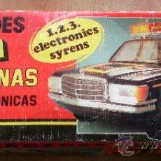 Juguetes antiguos Rico: COCHE POLICÍA RICO MERCEDES 3 SIRENAS EN CAJA. Lote 30573081