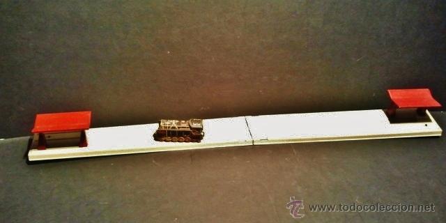Juguetes antiguos Rico: Maquina de maniobras a cuerda de hojalata litografiada de Rico. Funciona correctamente. - Foto 2 - 41717249