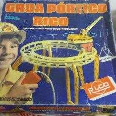 Juguetes antiguos Rico: GRÚA PÓRTICO RICO COMPLETA EN SU CAJA.. Lote 47769572