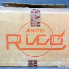 Juguetes antiguos Rico: CAJA CARTÓN JUGUETES RICO SA IBI VACÍA AÑOS 50 CON ETIQUETAS ÉPOCA DESTINATARIO TRANSPORTISTA. Lote 72583507