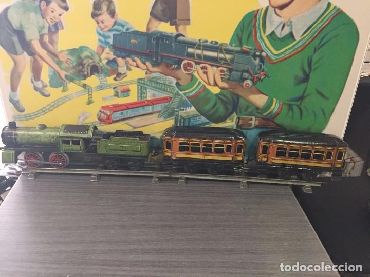 Juguetes antiguos Rico: Tren a cuerda De Rico años 20-30. Hojalata.Tipo Paya - Foto 4 - 79748637