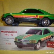 Juguetes antiguos Rico: MERCEDES 380 S ELÉCTRICO REF 502, DE RICO, AÑOS 70,NUEVO. Lote 86408512