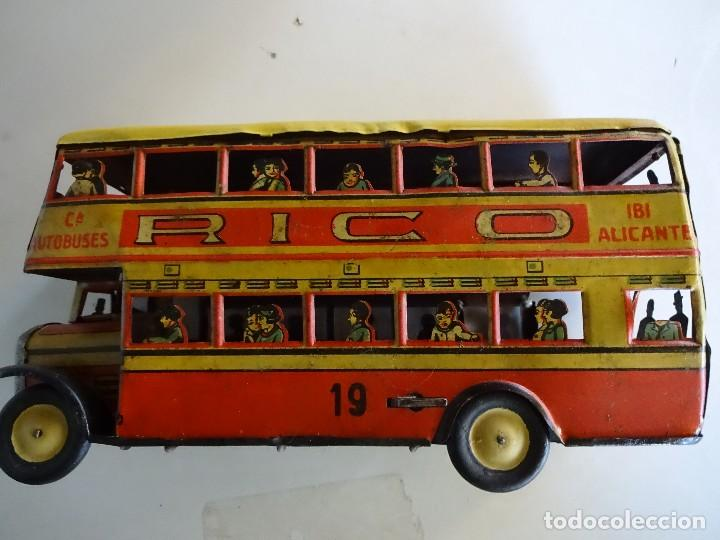 Juguetes antiguos Rico: Autobús RICO de 2 pisos en hojalata litografiada. 25 ctms. MBE - Foto 4 - 90167536