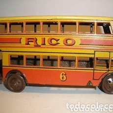 Juguetes antiguos Rico: RICO AUTOBUS HOJALATA Y CUERDA. COMO NUEVO. AÑOS 40. Lote 92210865